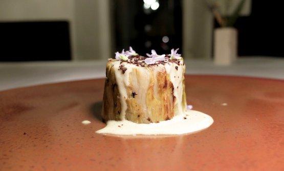 Arrosto di scarola al midollo, latte al rosmarino e susine fermentate (foto Tanio Liotta)