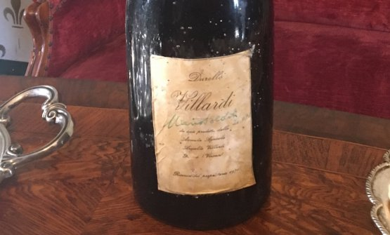 La bottiglia firmata da Mario Soldati