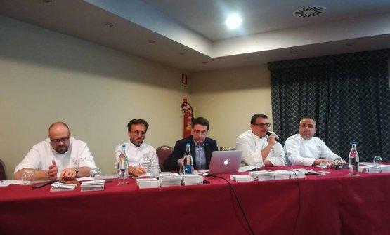 Il tavolo di presidenza del congresso: Andrea Alfieri, Emanuele Vallini, Raffaele Geminiani, Paolo Barrale, Vincenzo Guarino