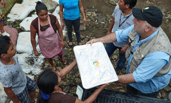 Sempre Andrés durante iniziative solidali negli scorsi anni