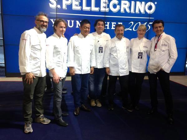 Acurio, al centro, tra i colleghi che facevano parte con lui della giuria alla San Pellegrino Young Chef