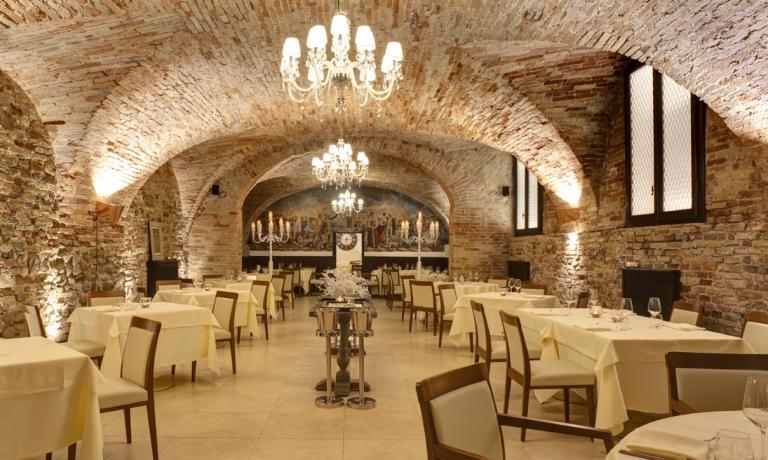 Il ristoranteè inseritoin quelle che un tempo erano le scuderiedel cinquecentescoPalazzo Baldassini