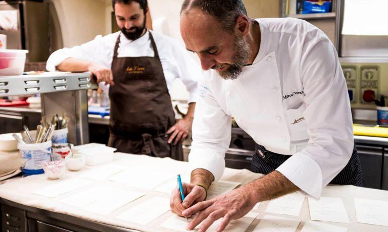 Marco Perez con Alessandro Dal Degan. I due sono stati recentemente protagonisti di una cena a quattro mani, all'Amistà 33