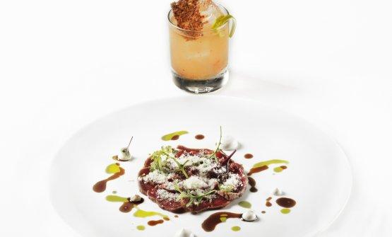 Agnello marinato abbinato al cocktail Cacio e pere