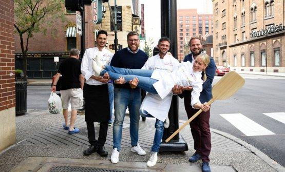 Sara Minnick(Lovely's Fifty Fiftya Portland) retta dal teamBioesserì(Milano e Palermo), nell'ultima edizione di Identità Chicago