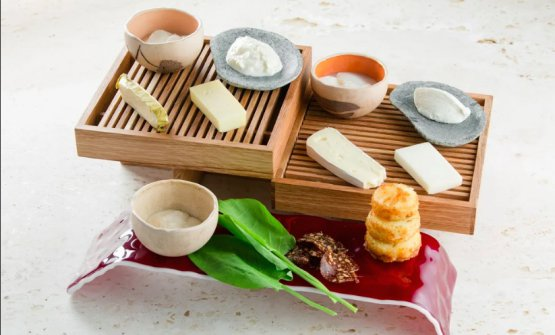 Cheeseboard, the house selection of cheese (photo Semen Kuzmin)