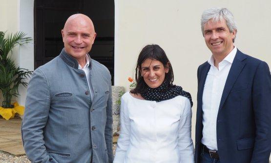 L'enologo Luca D'Attoma, Antonella Corda e il direttore commerciale Andrea Carpi