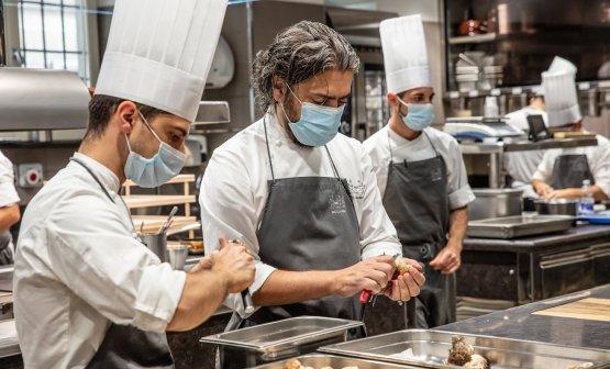 Tra i più accesi sostenitori di Cucine Solidali, Matteo Baronetto chef del Cambio di Torino