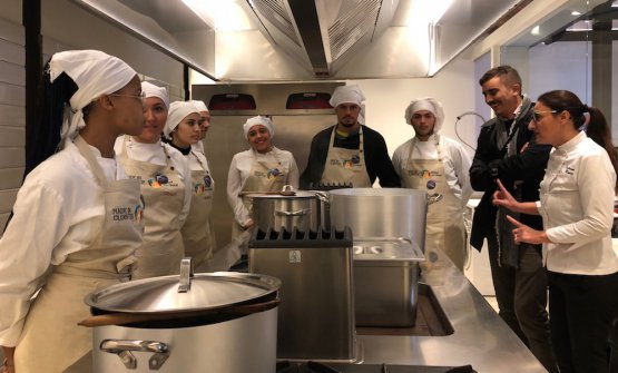 La cucina del Social Tables di Napoli