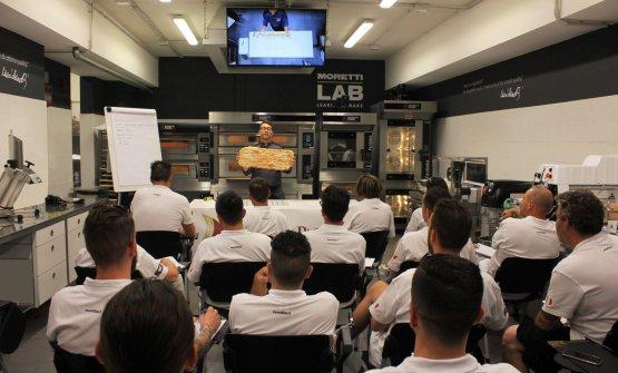Una lezione al Moretti Lab