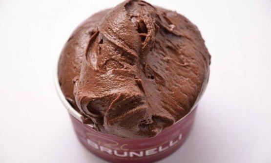 """Un gelato al cioccolato di Brunelli. Per ora, """"accontentiamoci"""" del sorbetto"""