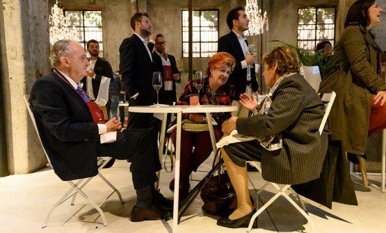 Aimo e Nadia Moroni conversano con Annie Féolde