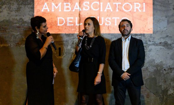 Francesca Barberinicon Anna Fratini e Fabio Barbieri, del Centro di Formazione Professionale Alberghiero diAmatrice