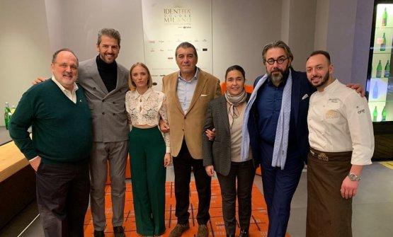 I tre conduttori con, da sinistra: Paolo Marchi, Claudio Ceroni, Paola Valeria Jovinelli, Alessandro Rinaldi