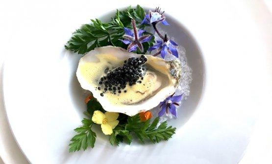 Ostrica Fin de Claire, granita al limone e alghe di mare