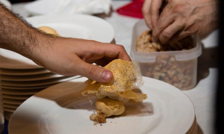 Pane, acqua e zucchero, il dolce di Massimo Bottura