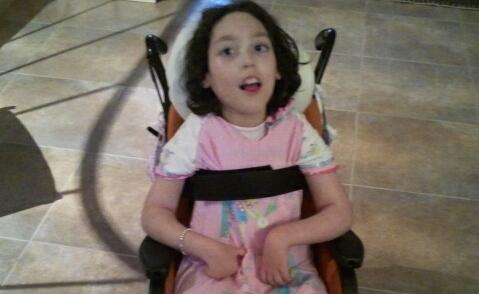 L'assegno di invalidità per Emma ammonta a circa 400 euro mensili ma le spese da sostenere sono 3 volte tanto