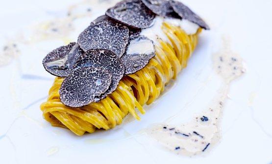 Tagliolini al tartufo nero diNorcia e crema di parmigiano (fotoJean-Claude Amiel)