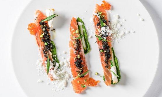 Salmone, neve di mozzarella, rucola e wasabi