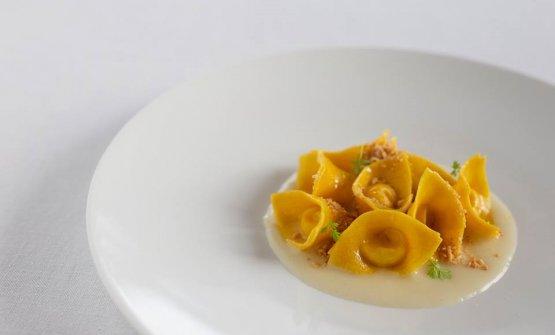 Tortelli di Parmigiano Reggiano alla lavanda, noce moscata e mandorle