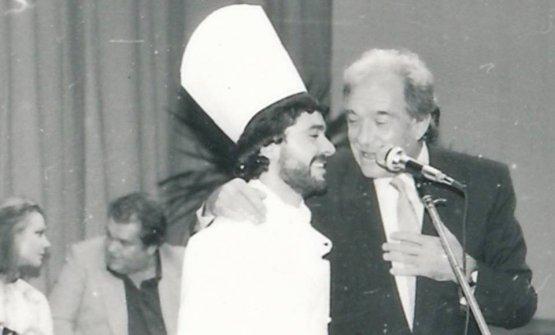 Un giovaneValentino Marcattiliicon Ugo Tognazzi