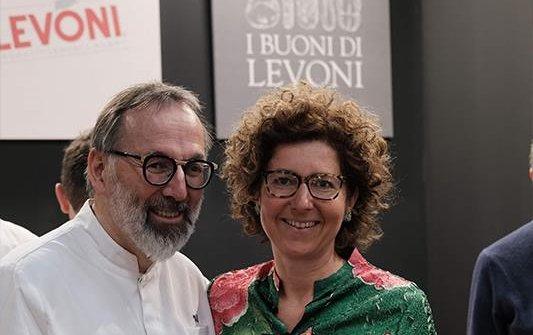Marella Levoni con Norbert Niederkofler durante l'ultima edizione di Identità Golose