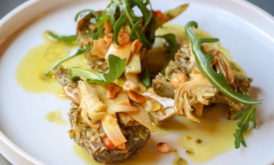 Insalata di carciofi sardi, nocciole tostate e carote
