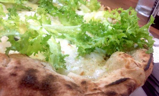 La pizza con baccalà di Gianfranco Iervolino, omonima pizzeria di Aversa (Caserta)