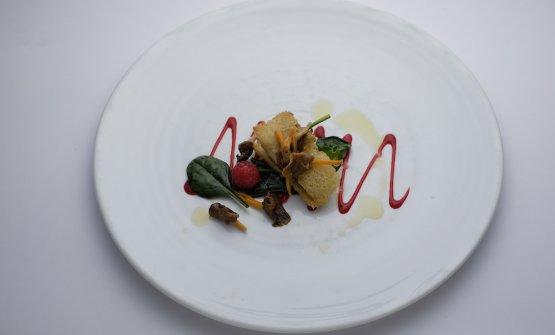 Alcuni dei piatti d'autore della rassegna.Sandwich di sogliola spinaci funghi e lampone di Silver Succi