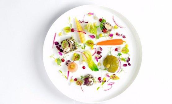 L'orto d'estate:Ortaggi interi, in crema, quinoa, aromi ed erbette e salsa maionese