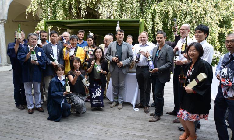Un'immagine dell'ultimo Milano Sake Festival, l'evento dedicato all'enogastronomia giapponese dove incontrare i produttori, fare degustazioni e studiare per diventarekikisake-shi. E' organizzato dell'associazioneLa Via del Sake, presieduta da Marco Massarotto