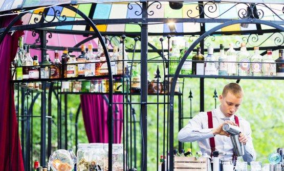Il bartender Matteo Nicolì