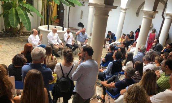 Il pubblico radunatosi a Palazzetto Baviera di Senigallia per Identità di Gelato