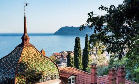 La splendida vista sul golfo di Alassio da Villa della Pergola