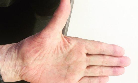 La mano sinistra di Jiro, mancino