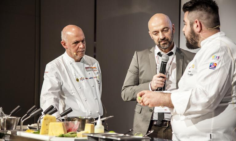 Due dei protagonisti dei traslochi in atto nella ristorazione siciliana: Peppe Barone e Antonio Colombo, intervistati da Andrea Cuomo alla recente Identità Milano