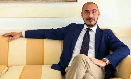 Salvatore Madonna, proprietario dell'hotel Byron di Forte dei Marmi e del Plaza e De Russie di Viareggio. Entrambe le strutture sono passate attraverso poderose ristrutturazioni