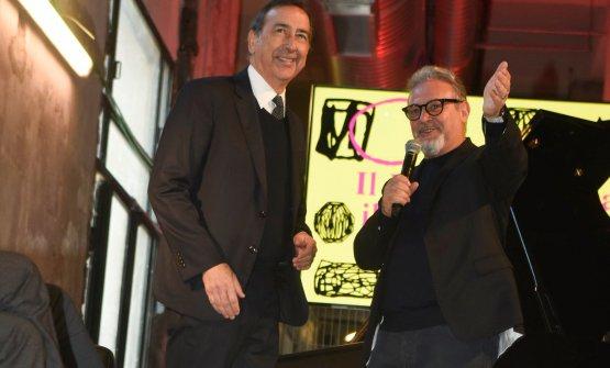 Umberto Montano, a destra, con il sindaco di Milan