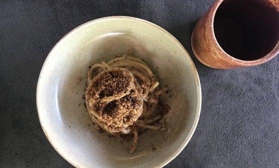 Spaghetti acciughe e liquirizia