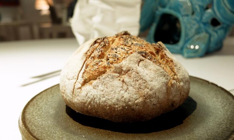 Arriva in tavola il pane multicereali, sempre di Bonci