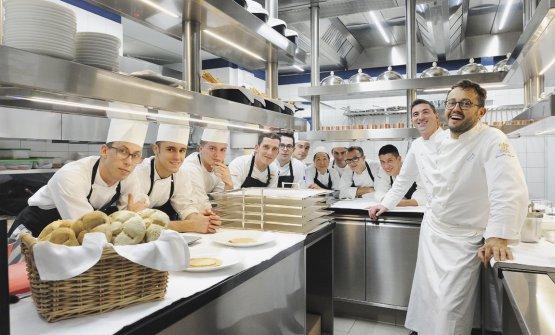 Gli chef Fabio Pisani e Alessandro Negrini nella nuova cucina