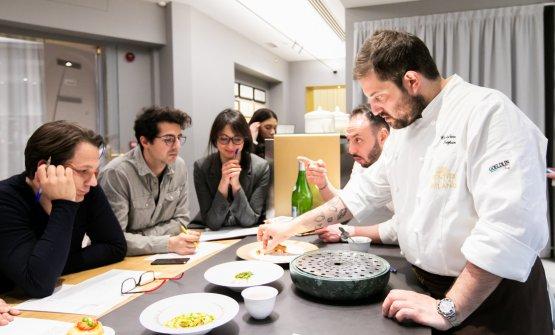 Briefing pre-cena con la squadra di Identità Golose Milano