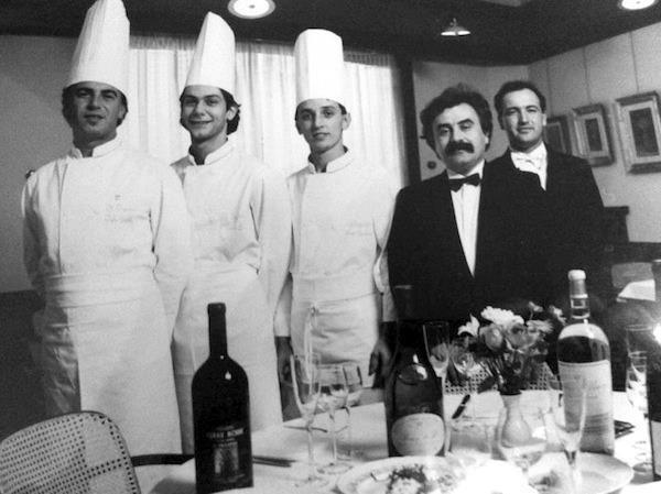Giacinto Rossetti, quello coi baffi, in una foto storica delTrigabolo. Da sinistra:Igles Corelli, Marcello Leoni, Bruno Barbieri, Giacinto Rossetti, Bruno Biolcati