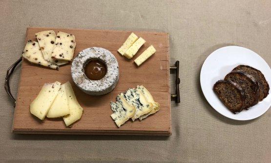 Stagionatura: degustazione di formaggi del Piccolo Brite