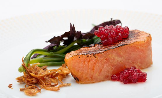 Ora King salmon, marinated with miso and ginger, sago starch with beetroot, agretti, crispy shallot