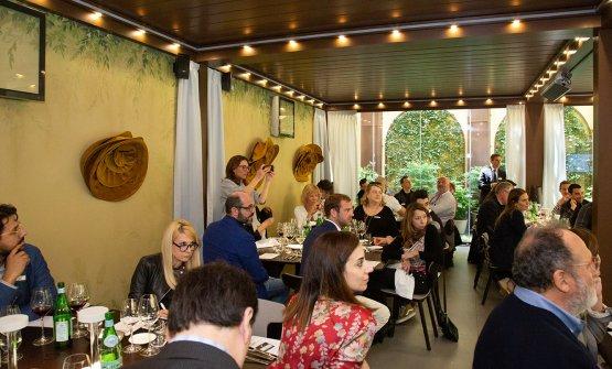 La sala Glicine dell'Hub di via Romagnosi piena per l'evento