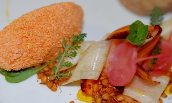 Un dettaglio del piatto di fermentini, uno fresco (in foto) e l'altro stagionato, firmato da Daniela Cicioni, chef vegana e crudista che ha vinto la prima edizione di The vegetarian chance il 22 giugno 2014 a Milano