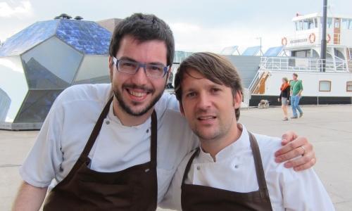 Fabrizio Ferrari, classer 1970, chef e patron del Porticciolo 84 a Lecco, ritratto a Copenhagen con Ren� Redzepi durante la sua esperienza di due settimane al Noma. Era il gennaio 2010
