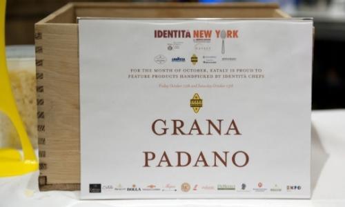 Gioved� 9 ottobre scatta a Eataly la quinta edizione di Identit� New York. Grana Padano, sponsor dalla prima edizione, debutta quest'anno con Denny Imbroisi, giovane testimonial del Progetto Taglio Sartoriale Worldwide, selezionato a Identit� Milano 2014