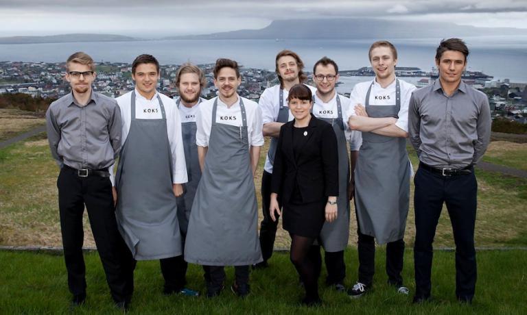 L'attuale brigata di cucina del Koks. Lo chef Poul Andrias Ziska è il quarto da sinistra